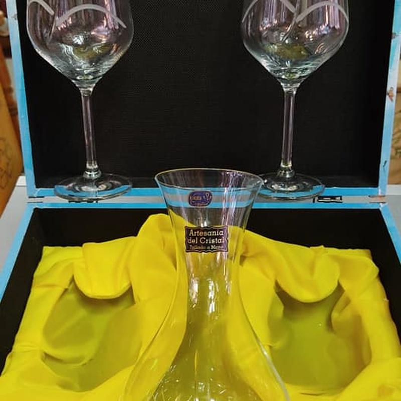 decantador de vino tallado.jpg