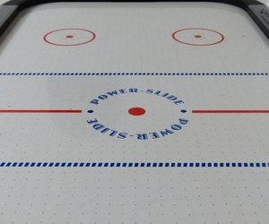 Apuesta por una mesa de air hockey