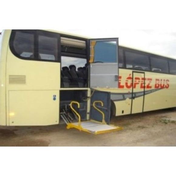 Equipamiento: Servicios de F.J. López Bus