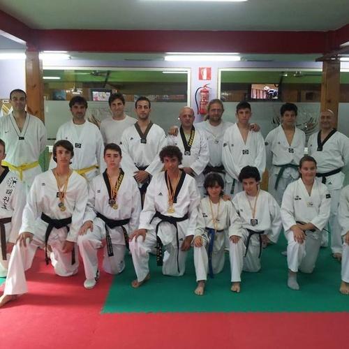 Gimnasio Atlas Fitness, clases de taekwondo para adultos.