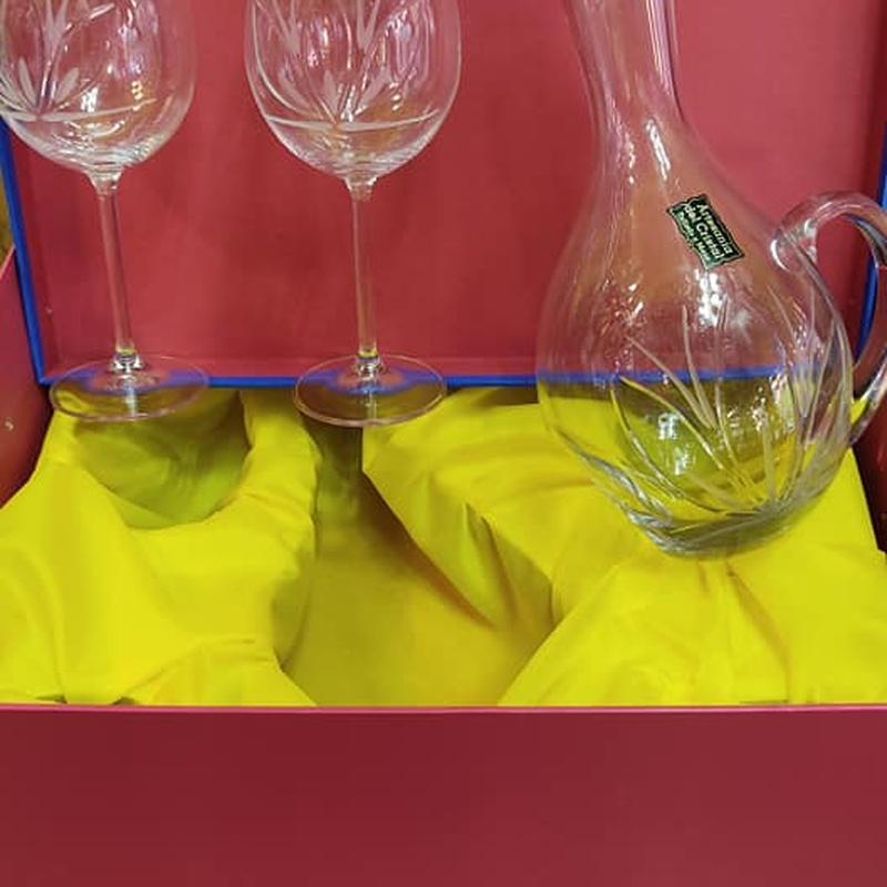 decantador de vino jarra tumbada.jpg