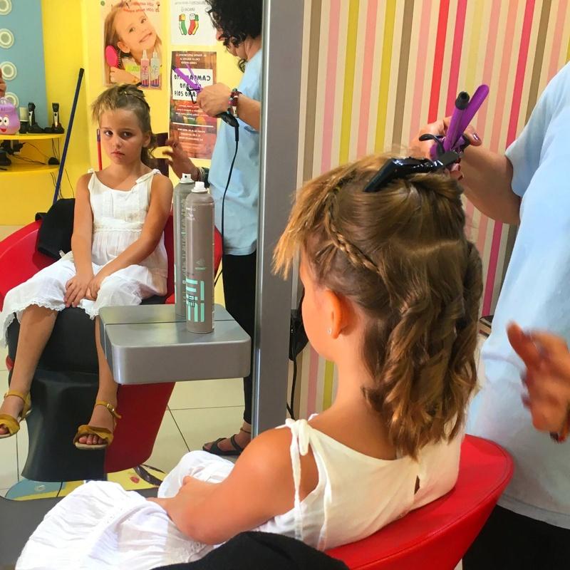 PELUQUERIA INFANTIL Y CELEBRACION DE FIESTAS DE CUMPLEAÑOS: NUESTROS SERVICIOS de AL TROTE ZONA INFANTIL