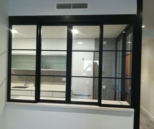 ventana de hierro y cristal