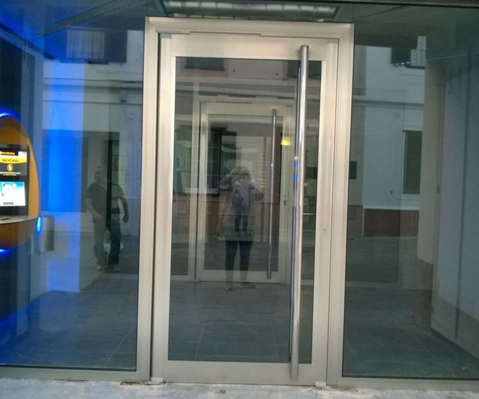 Caixa Menorca: Catálogo de LMC Glass