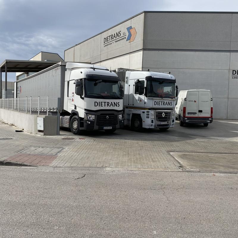 Flota de vehículos: Nuestros servicios de Dietrans
