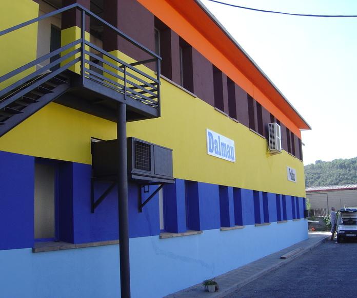 Trabajos de pintura decorativa en fachadas finalizados