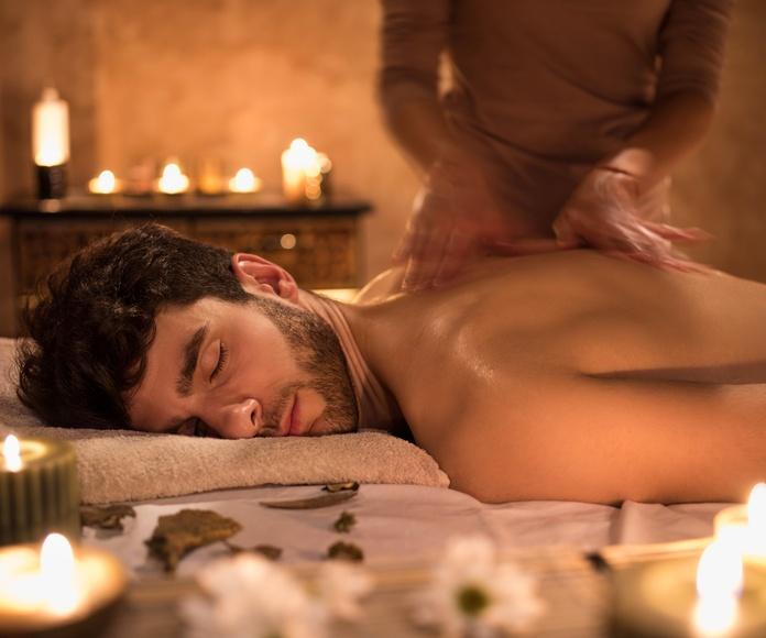 Masajes con aceite de vela perfumada: Tratamientos  de Quiros Centre D'Estètica