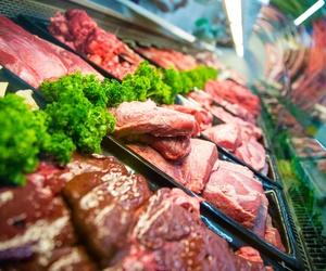 Gran surtido de carnes en Supermercado Cala Dor Fuit