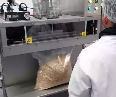 Envasado a terceros en bolsa conformada gran formato con atmósfera protectora