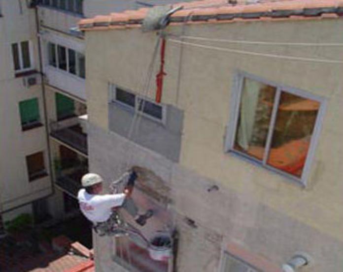 Tratamiento hidrófugo en trabajo vertical: Servicios  trabajos verticales de Alman