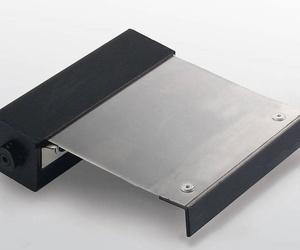Protección enrollable metálica con carcasa HEMA