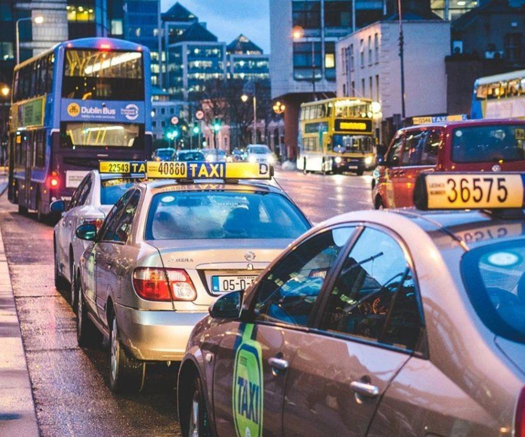 La palabra taxi en otros idiomas