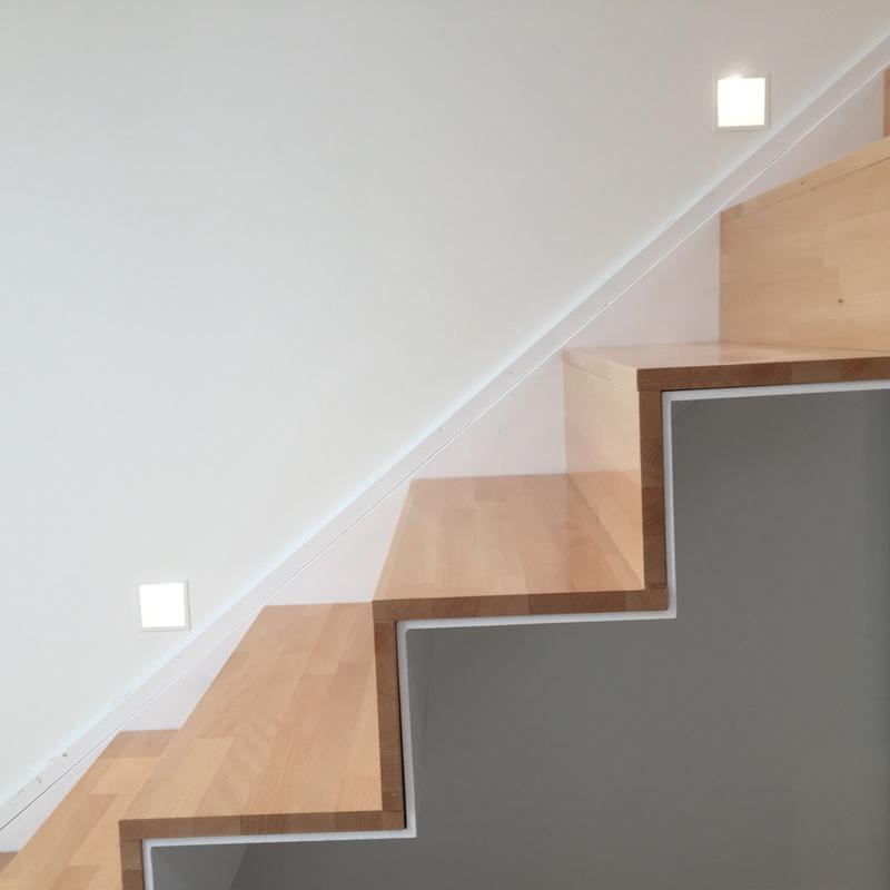 Escalera de interior exenta: Servicios y Productos de Cerrajería Avelino Izquierdo, S.L.