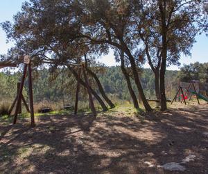 Área recreativa para niños en Los Carasoles, Navalón, Enguera, Valencia