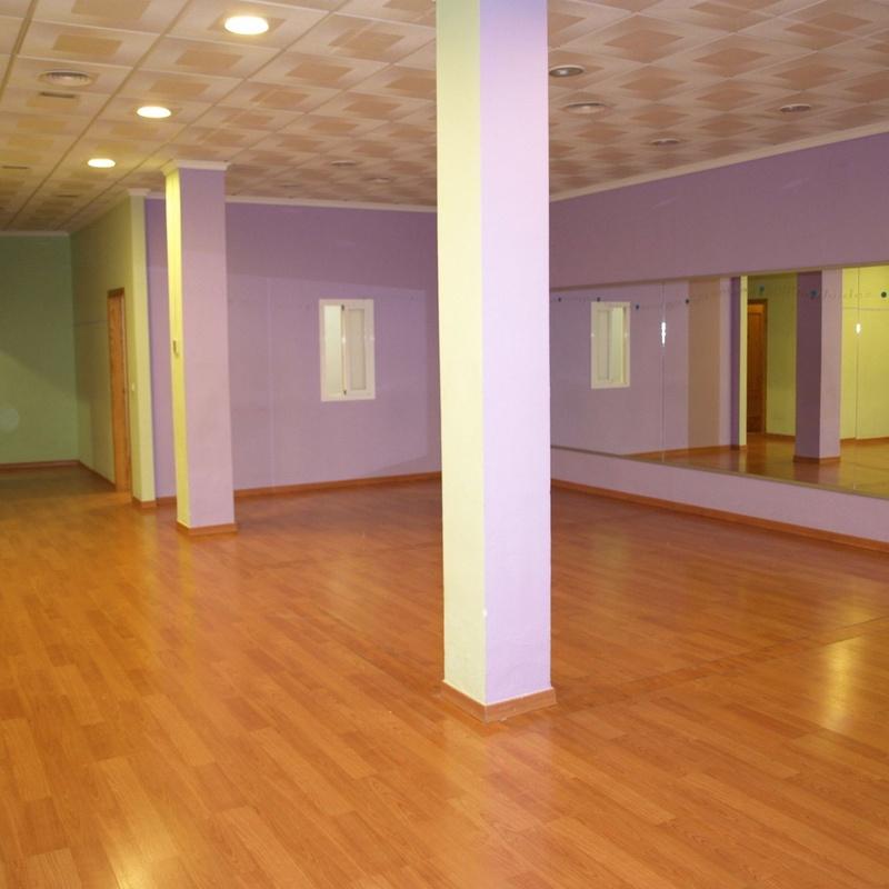 Local en venta 120.000€: Compra y alquiler de Servicasa Servicios Inmobiliarios