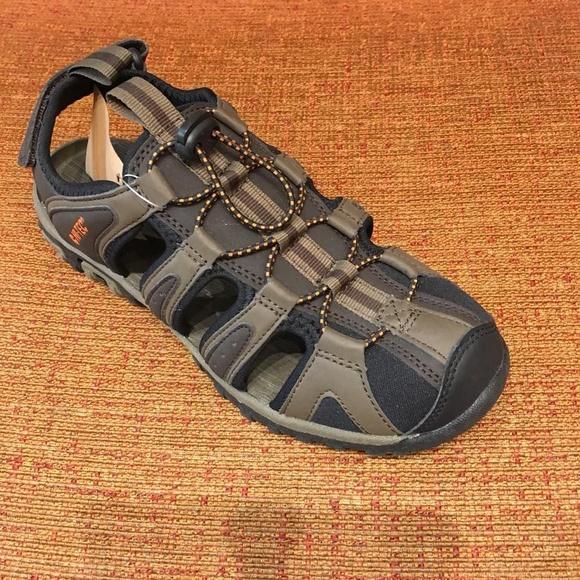 Sandalia de la marca Hi-Tec: Servicios de Calçats Llinàs