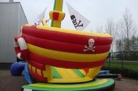 tobogán barco pirata