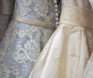 Especialistas en vestidos de novia, comunión, bautizo, fiesta...