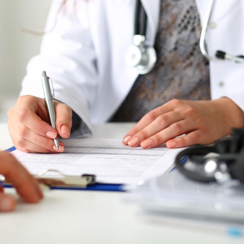 Medicina General / Medicina de familia: ESPECIALIDADES de Policlínica Centrosalud