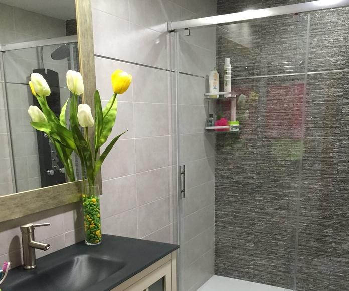 Baños y cocinas: Servicios de Decoraciones Catesela, S. L.