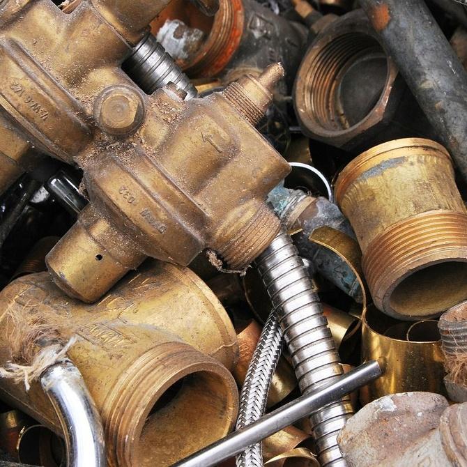 ¿Qué beneficios aporta el reciclaje de metales al medio ambiente?