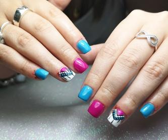 Manicura + esmaltado permanente + 2 decoraciones: Servicios de Cristina Nails