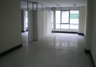 Alquiler local comercial c/ Francisco Macía, 11, 4º D. Deusto