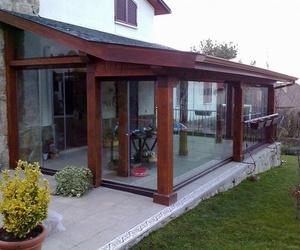 Cerramiento de porches con cortinas de cristal en la provincia de Madrid