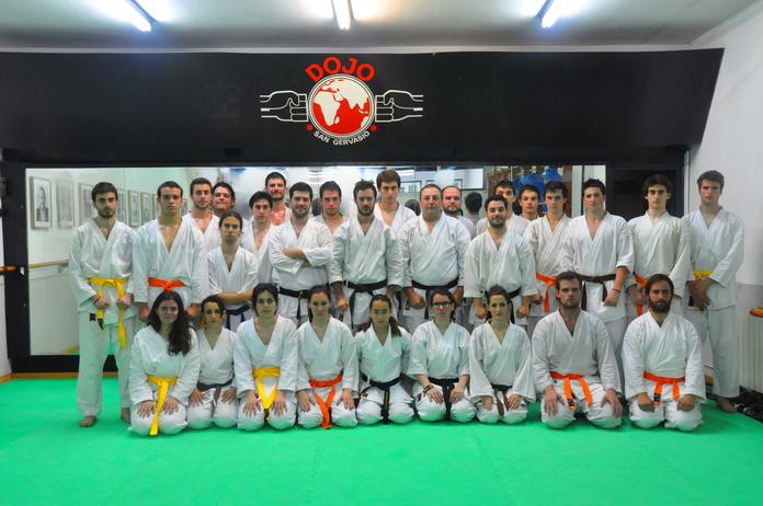 Clase de Karate en Dojo Sant Gervasi