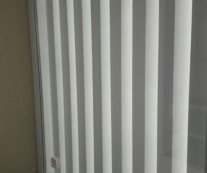 Fijo de PVC en hueco de escalera