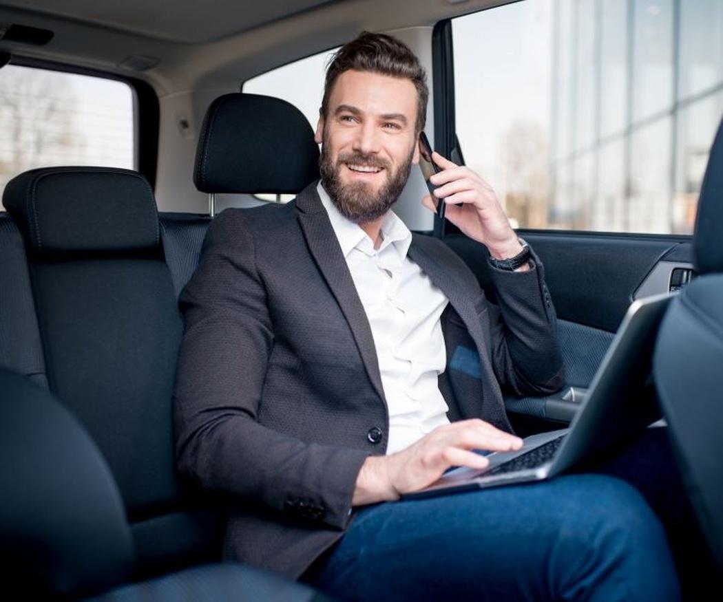 Las ventajas de utilizar un coche con conductor por Madrid