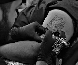 El estudio: Tattoo de Under Skin Tattoo Santa Co