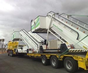Transporte de escaleras de aeropuerto en Fuerteventura