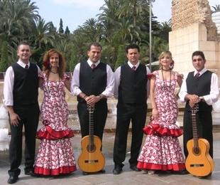 Coro rociero y grupo flamenco