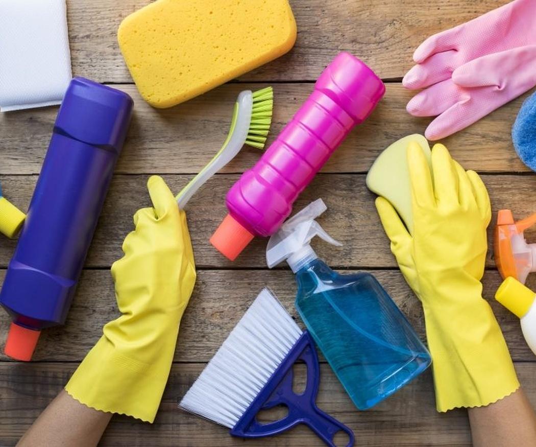 La razón por la que los productos de limpieza tienen que estar fuera del alcance de los niños