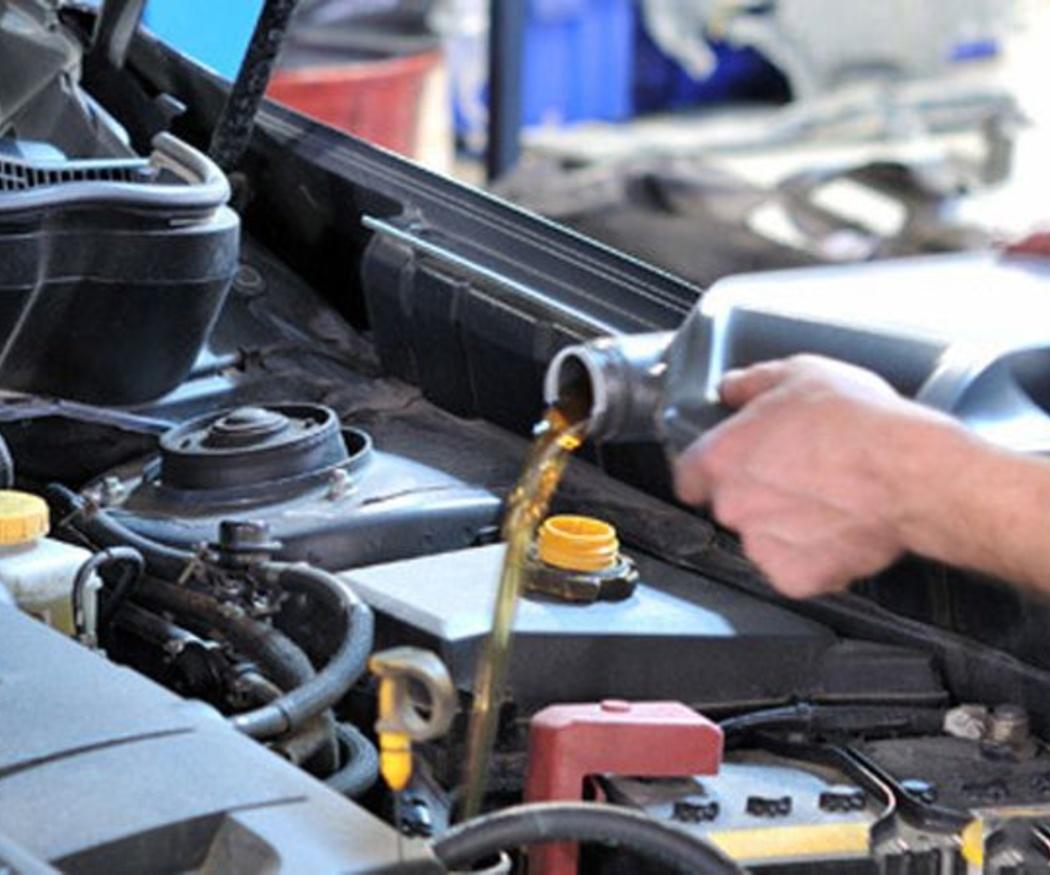 Cambiar el aceite del coche en pocos pasos