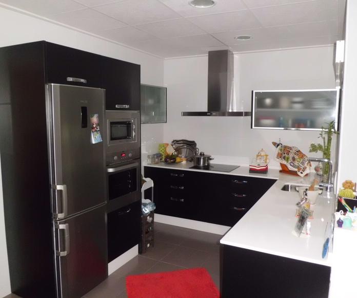 Muebles de baño y cocina: Productos y servicios de Ébano Interiorismo