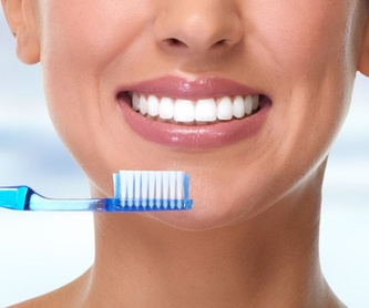 Estética dental: Servicios de Bazal Dentistas