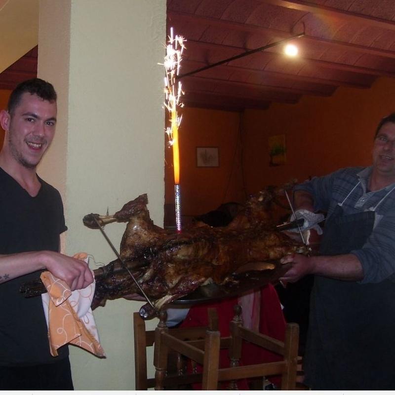 Las mejores carnes asadas: Servicios de Restaurante Piscina Manrella