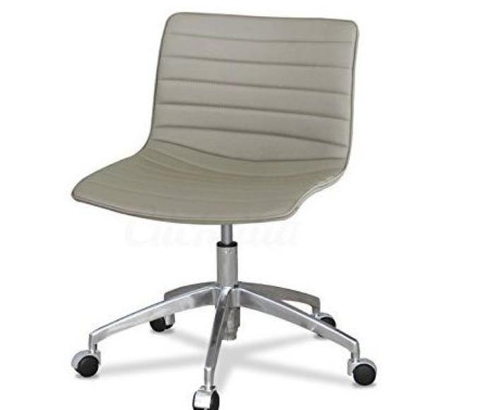 silla de diseño modelo vama en acabado similpiel beige