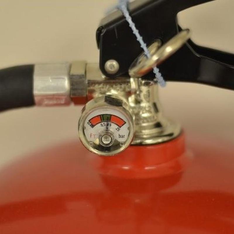 Extintores portátiles y por  CO2: Servicios de SUGERENCIAS