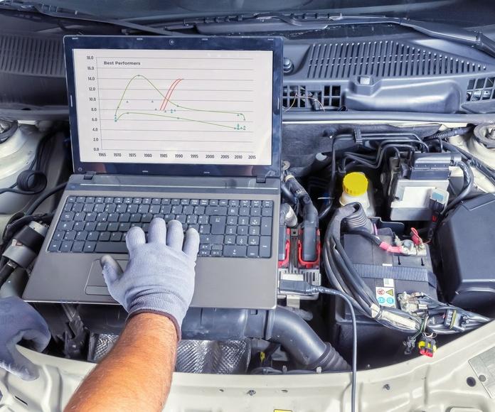 Diagnosis de vehículos: Servicios de Talleres Serafín