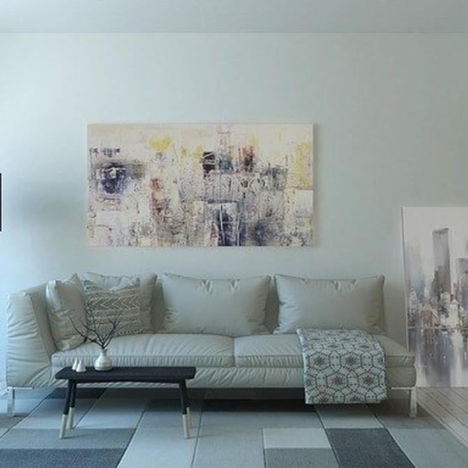 5 ventajas de las butacas y sofás en color claro para salones pequeños