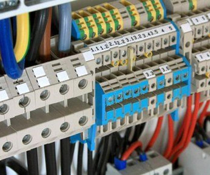 Ampliaciones de potencia: Servicios de J. de Haro Electricidad