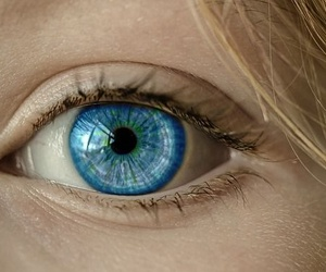Reconocimiento psicotécnico tras una operación de ojos