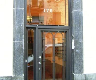 Puertas de hierro en Barcelona