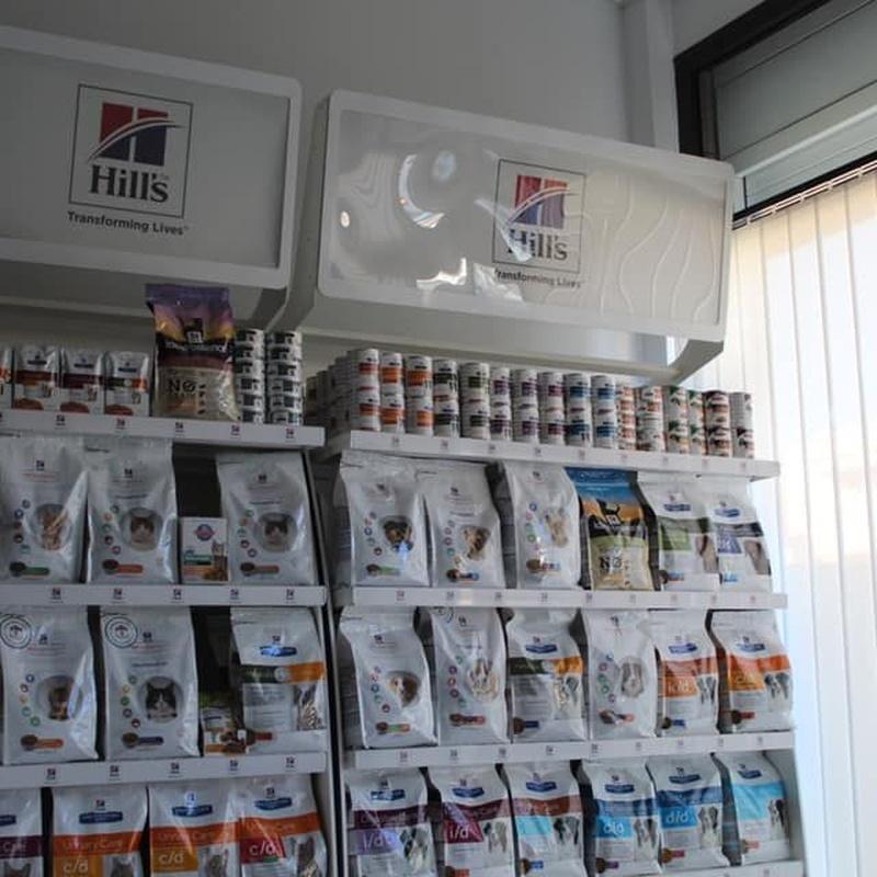 Nutricion canina y felina: Servicios Veterinarios de Centro Veterinario Antares