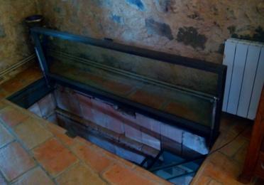 Escalera de huella y trampilla de vidrio de seguridad