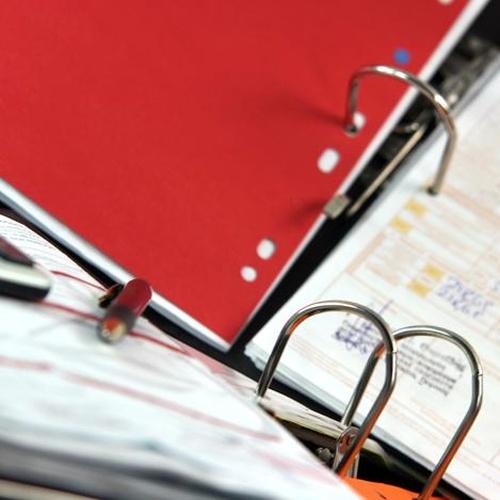 Especialistas en permisos, licencias, autorizaciones, concesiones y gestiones en general.