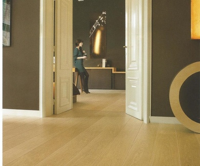 Quick-Step Largo LPU-1284. Roble Barnizado Natural en Planchas.